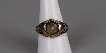 Fine 15ct gold antique enamel memory ring - Size R