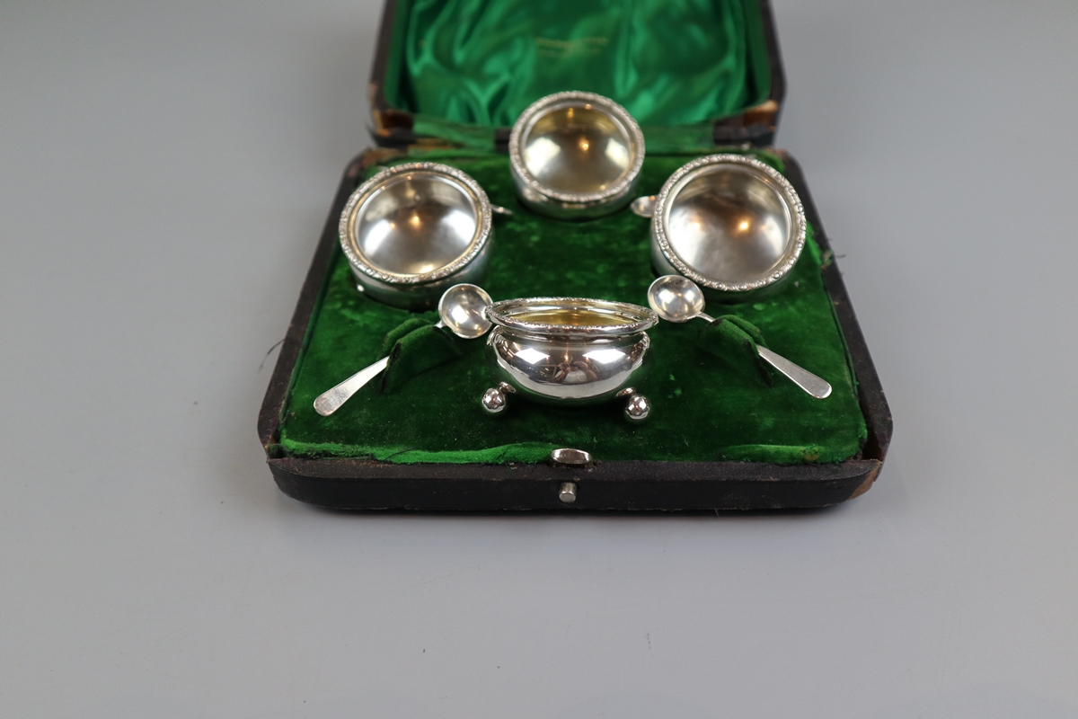 Hallmarked silver boxed condiment set - Image 2 of 4