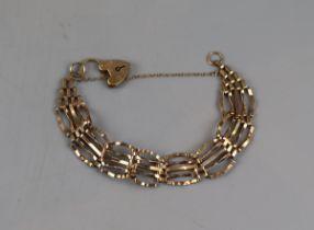 Gold gate link bracelet - Approx weight: 8.5g