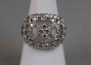 Fine platinum & diamond set ring (size M)