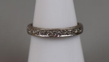 18ct gold diamond set ring (size M½)
