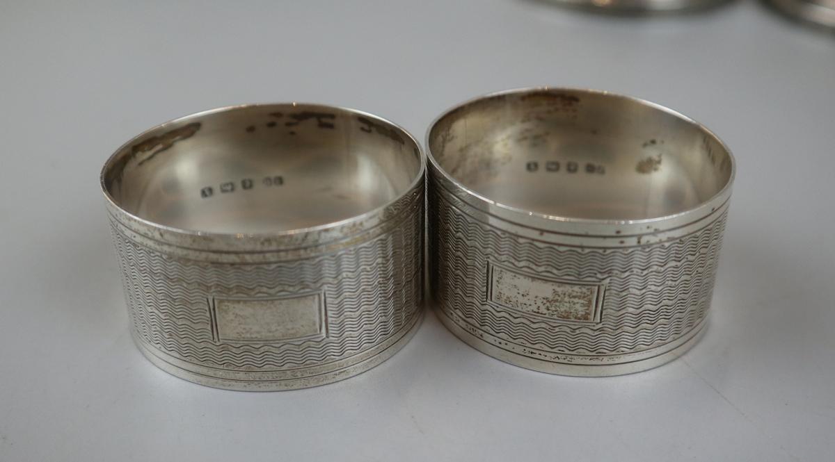 4 hallmarked silver candlesticks & 2 hallmarked silver napkin rings - Image 2 of 4