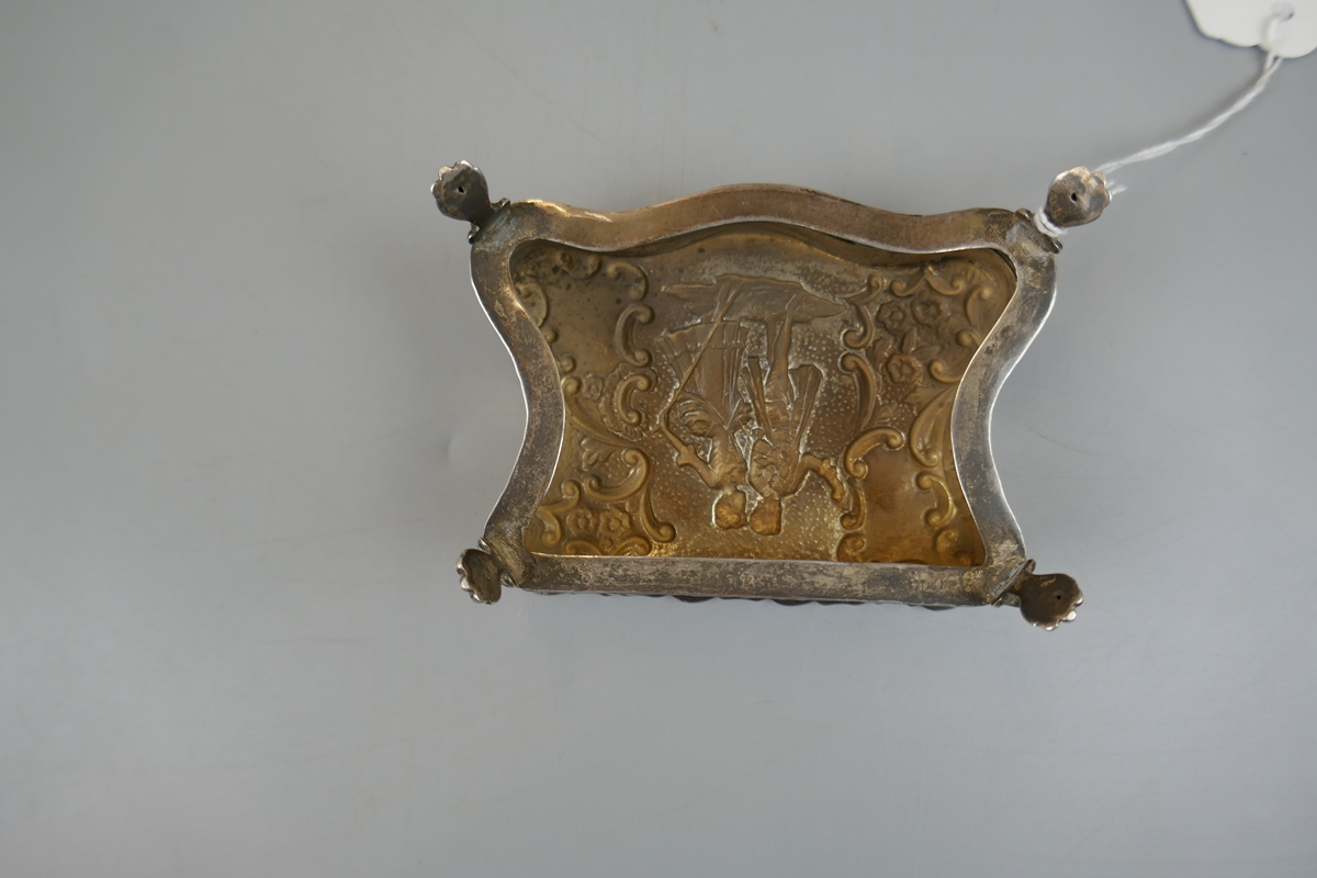 Small hallmarked chased silver trinket box (missing base) - Image 4 of 5