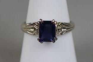 White gold sapphire set ring (size O)