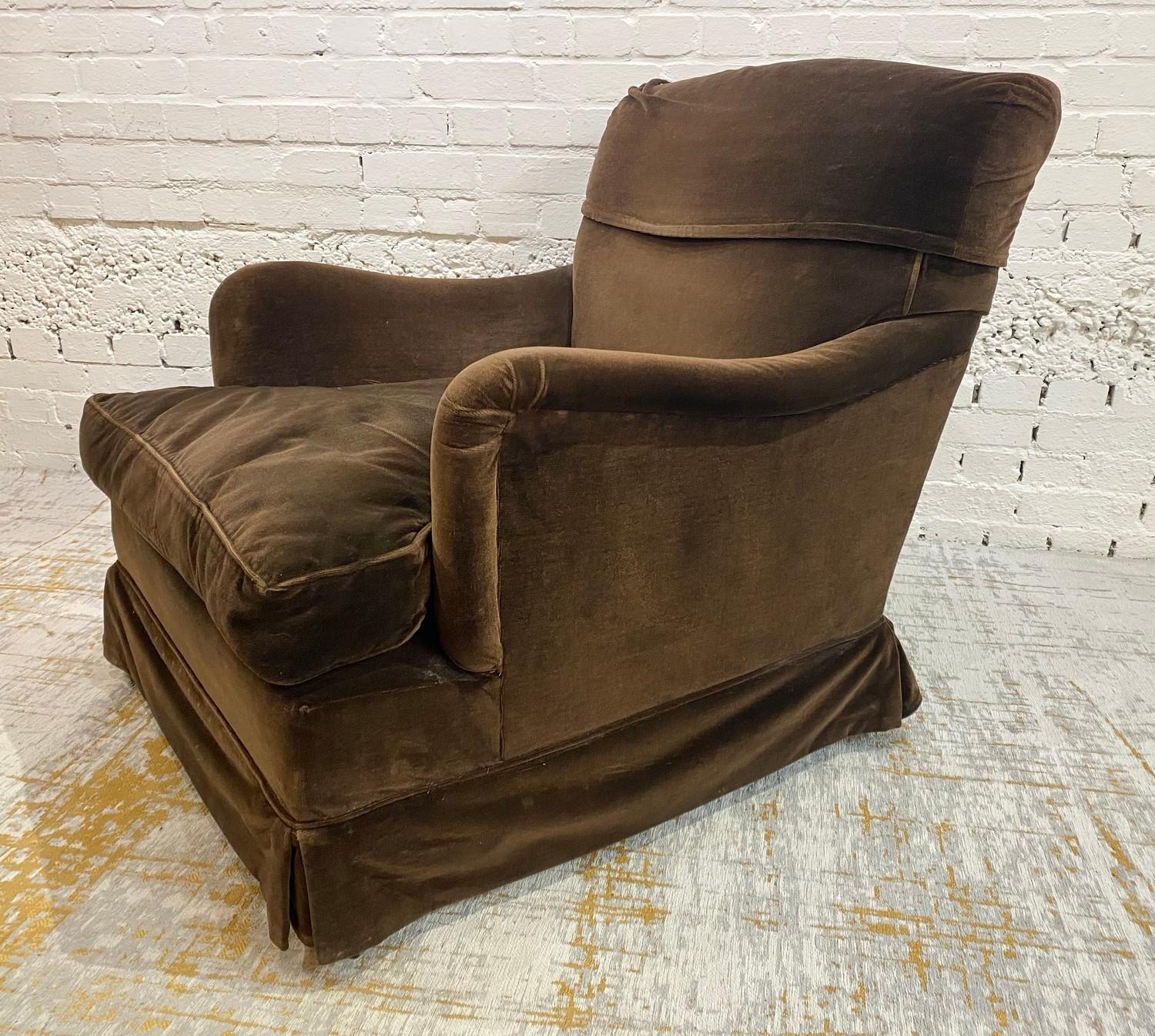 HOWARD AND SONS BRIDGEWATER ARMCHAIR, stamped 'Howard Chairs, 48 Sth Audley St London W.1 2385?, - Image 2 of 14