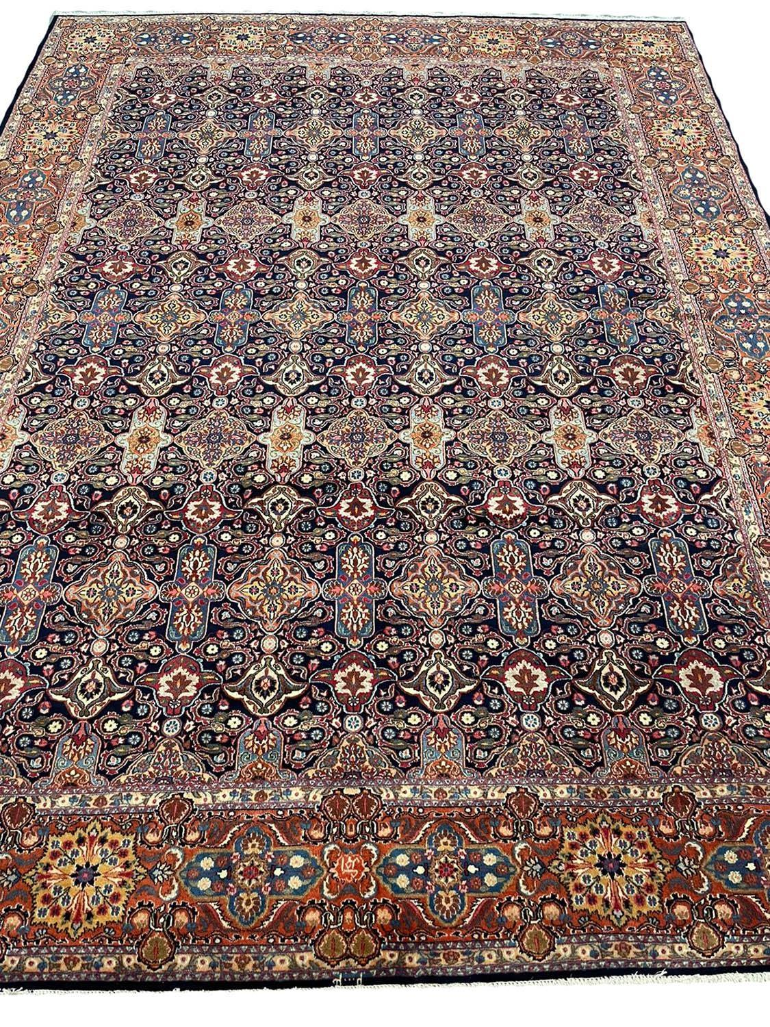 FINE ANTIQUE PERSIAN KHORASSAN CARPET, 340cm x 260cm.