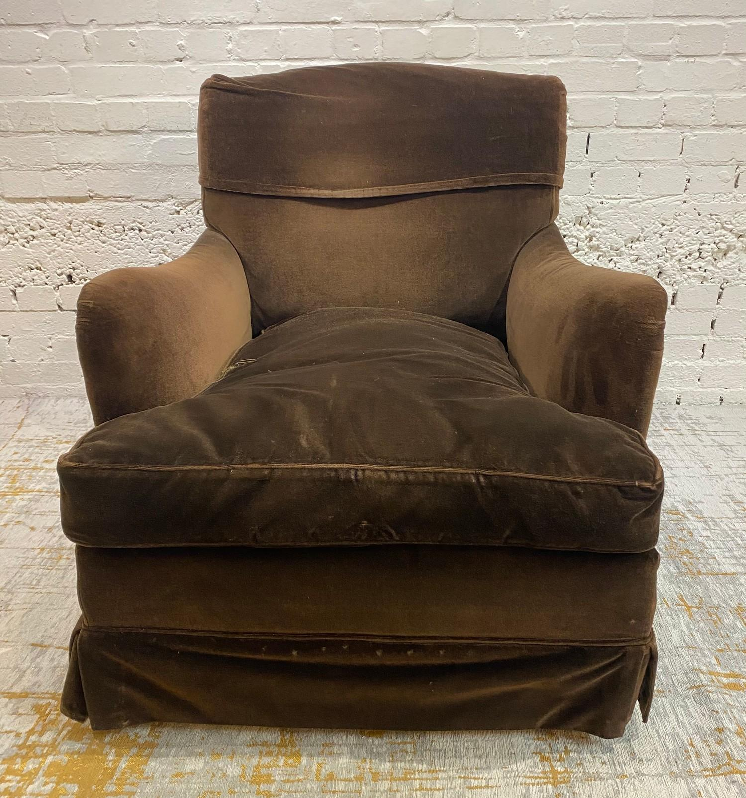 HOWARD AND SONS BRIDGEWATER ARMCHAIR, stamped 'Howard Chairs, 48 Sth Audley St London W.1 2385?, - Image 4 of 14