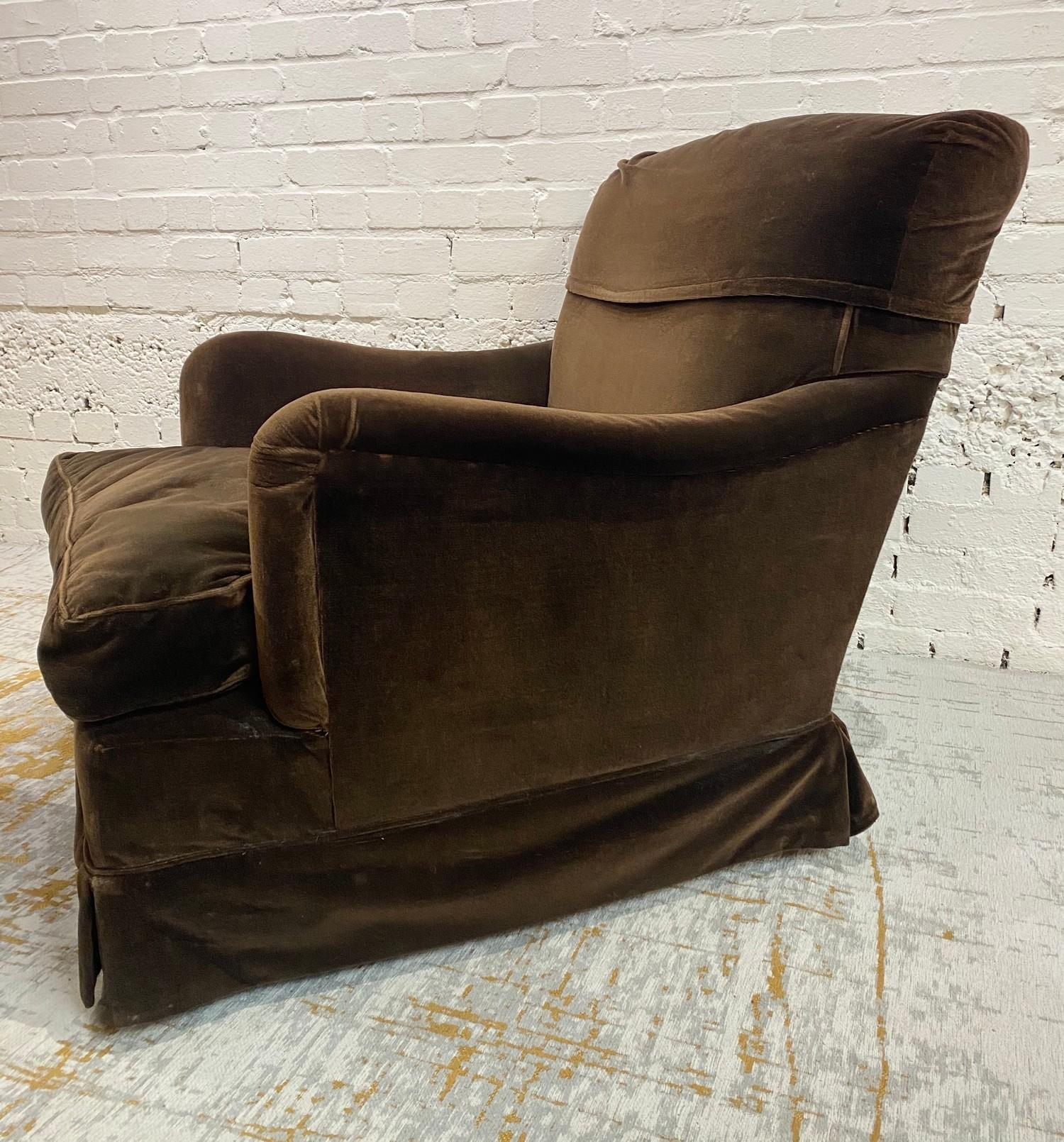HOWARD AND SONS BRIDGEWATER ARMCHAIR, stamped 'Howard Chairs, 48 Sth Audley St London W.1 2385?, - Image 3 of 14