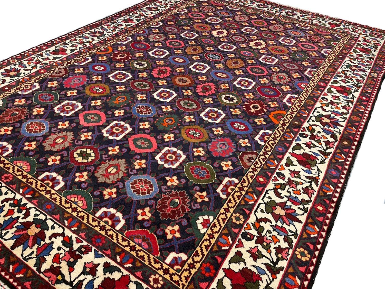 FINE PERSIAN BAKTIAR CARPET, 325cm x 225cm, stylised mina khani design. - Image 3 of 4