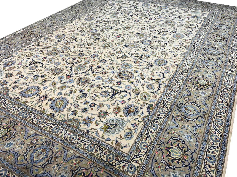 FINE PERSIAN KURK KASHAN CARPET, 408cm x 300cm. - Image 2 of 5