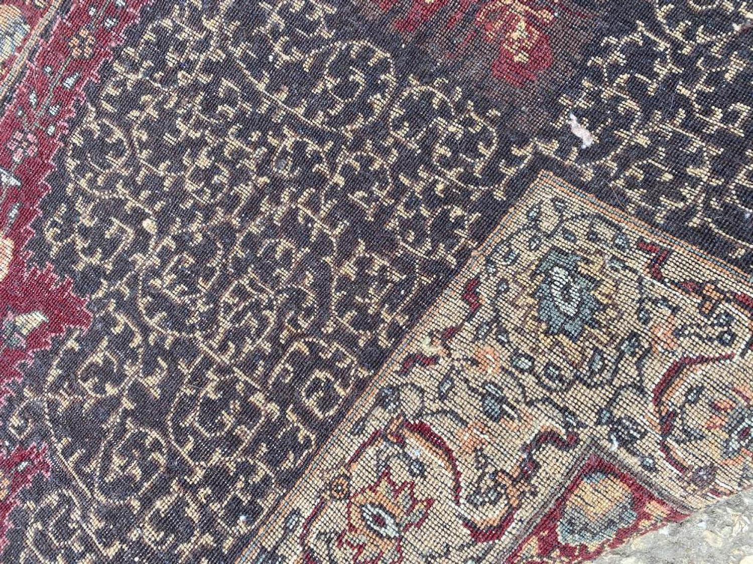 FINE HEREKE DESIGN CARPET, 560cm x 353cm. - Image 4 of 4
