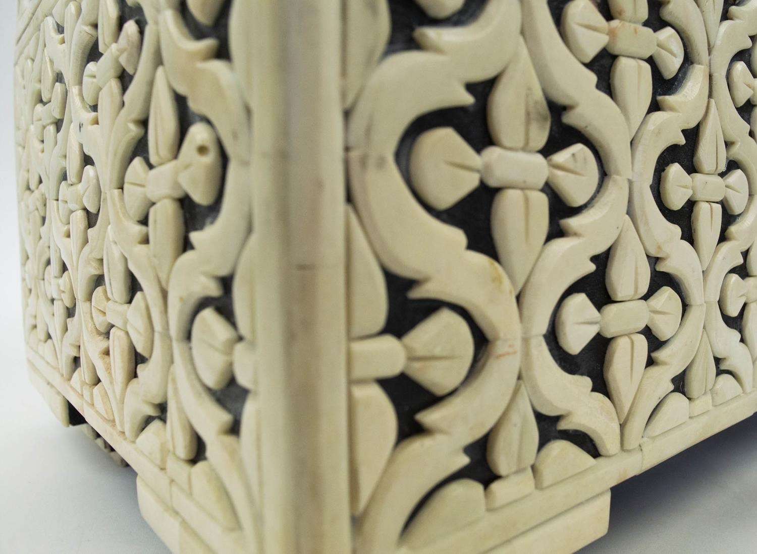 CASKET, bone geometric clad with hinged top and interior tray, 22cm H x 38cm x 25cm. - Image 4 of 7
