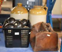 VARIOUS LAWN BOWLS, GLADSTONE STYLE BAG & 2 LARGE CERAMIC JARS