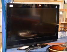 "HITACHI 32"" LCD TV WITH REMOTE"
