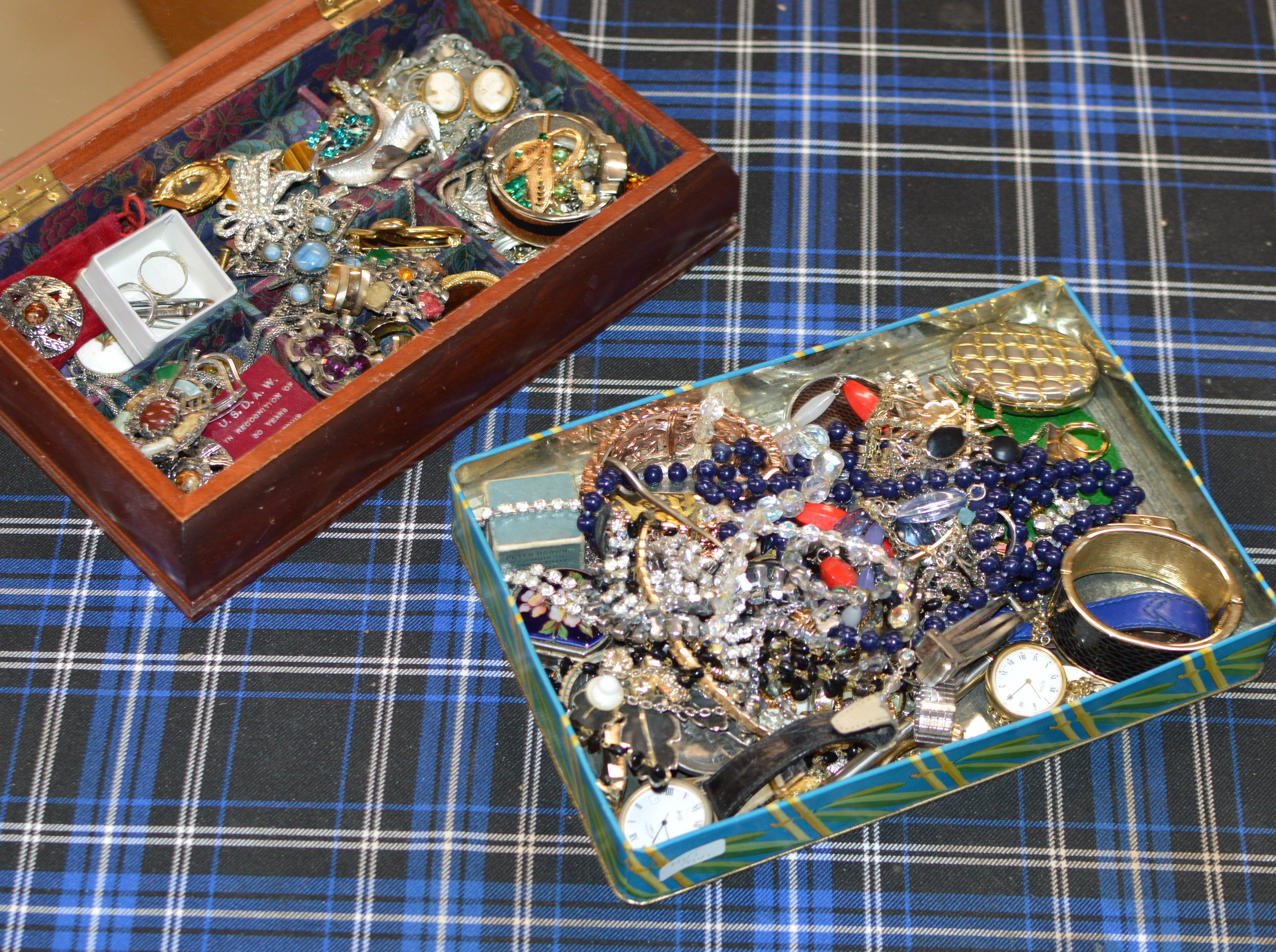 2 BOXES WITH QUANTITY VARIOUS COSTUME JEWELLERY