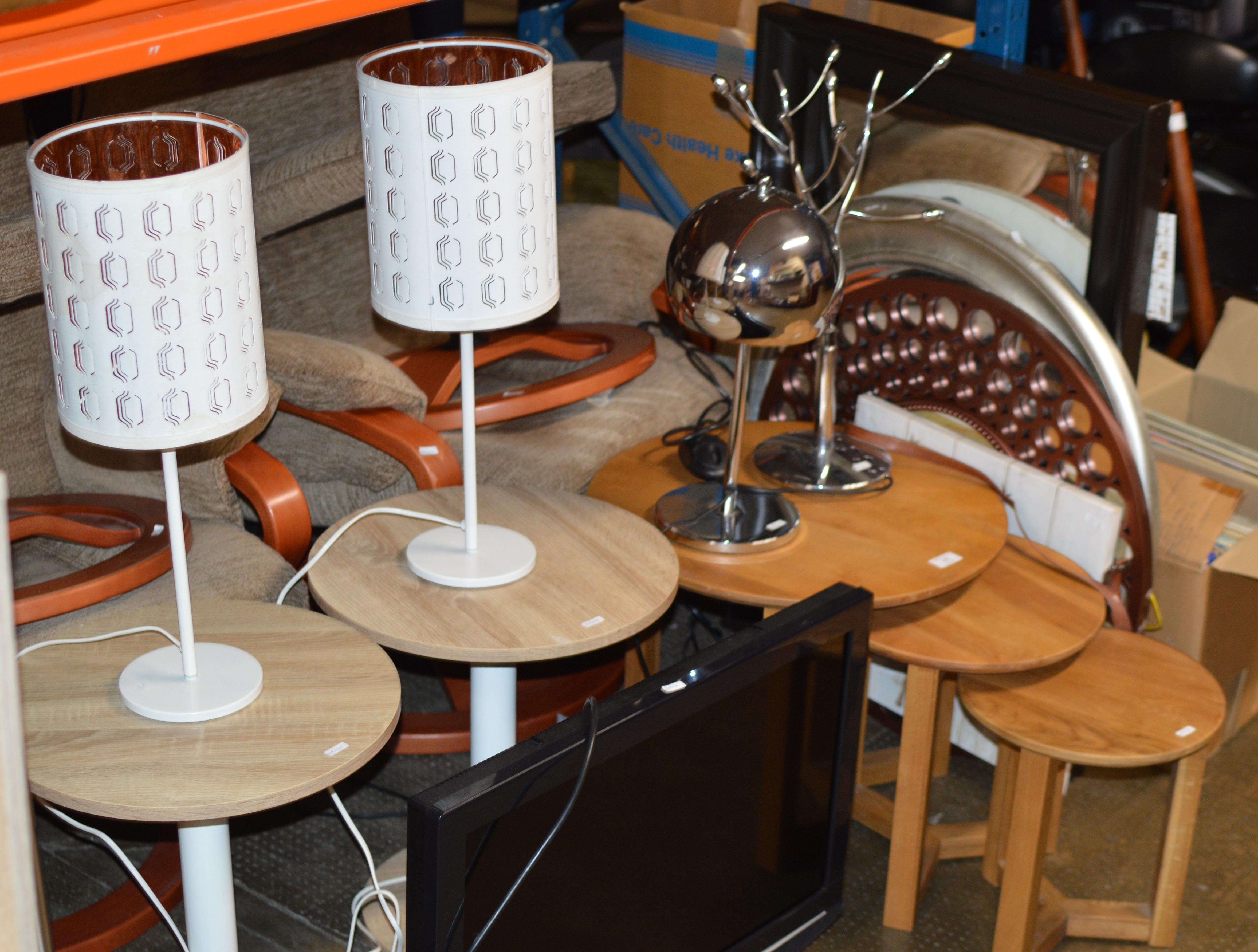 NEST OF 3 MODERN TABLES, PAIR OF MODERN OCCASIONAL TABLES, VARIOUS MIRRORS, MODERN PICTURES & MODERN