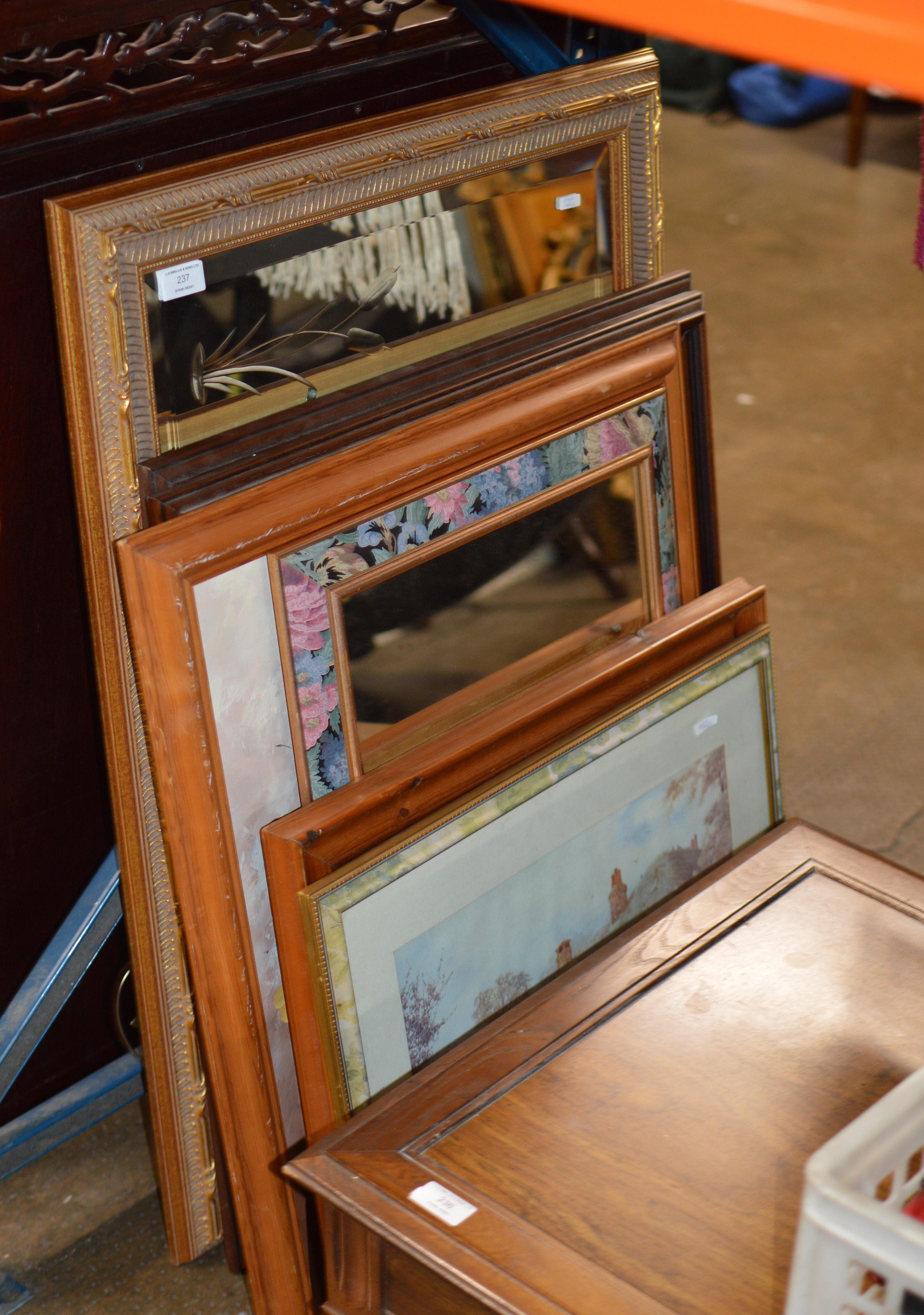 VARIOUS MIRRORS & PICTURES