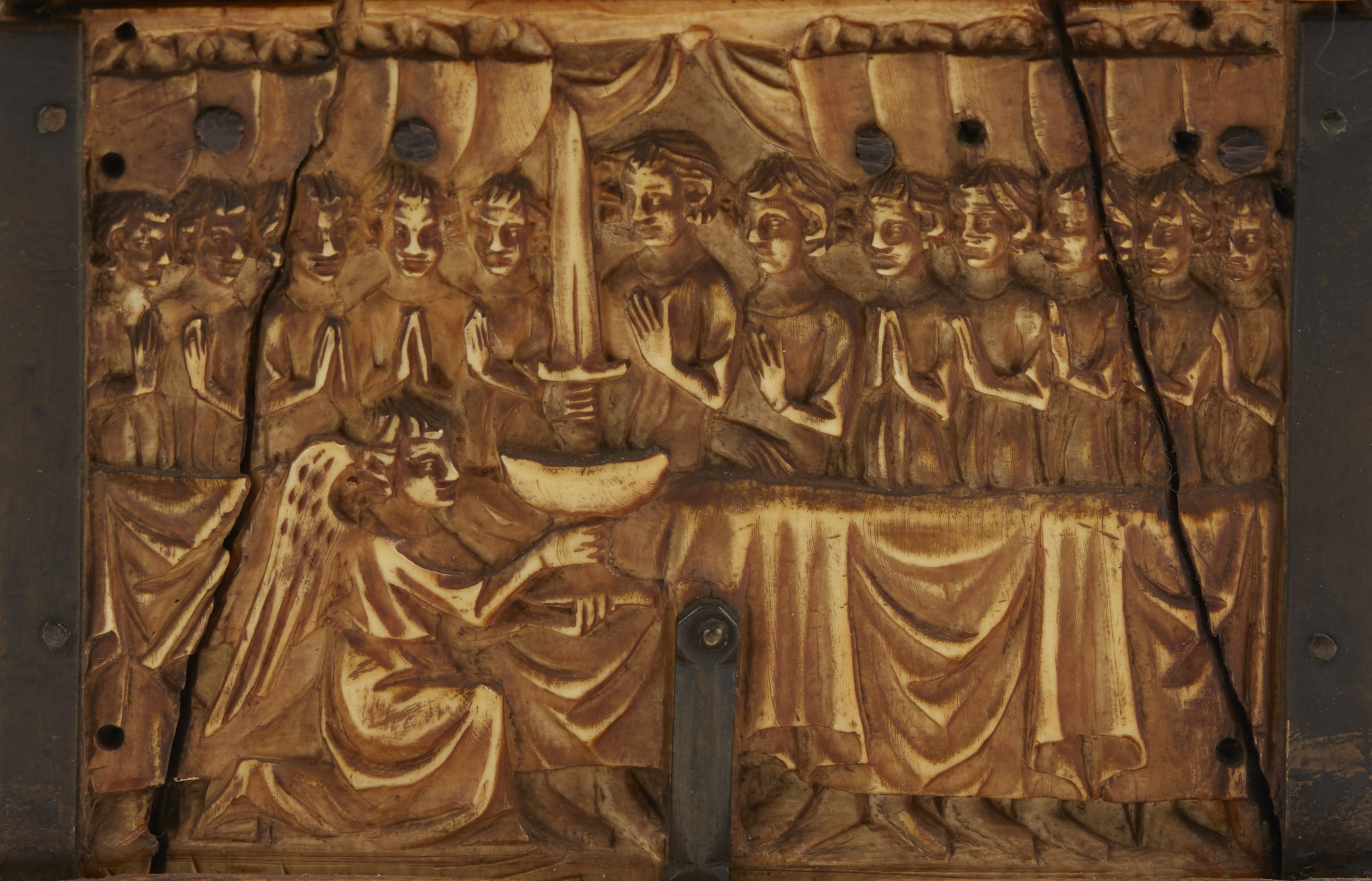 Y ◆ RARE AND IMPORTANT FRENCH GOTHIC IVORY COMPOSITE CASKET CIRCA 1330 - Image 7 of 8
