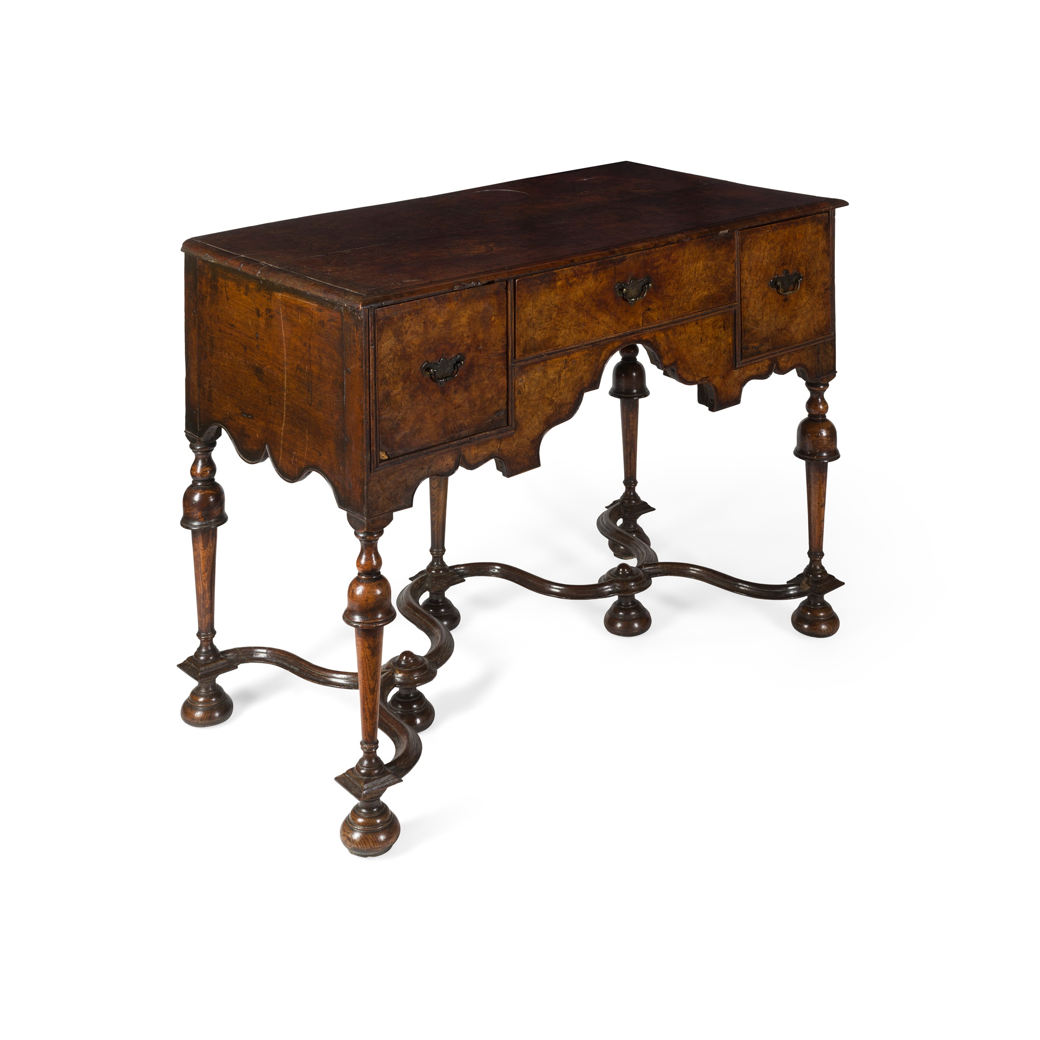 QUEEN ANNE WALNUT LOWBOY EARLY 18TH CENTURY