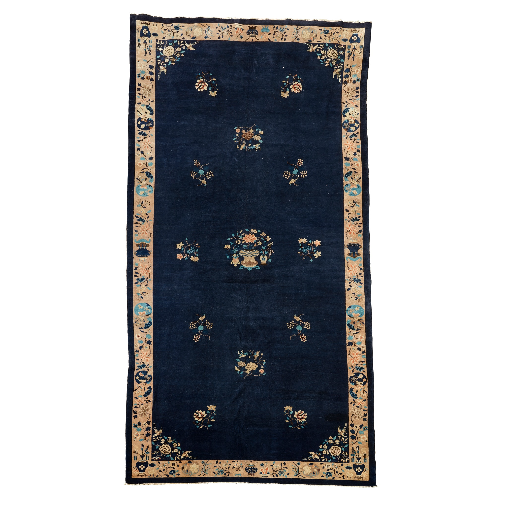 LARGE CHINESE CARPET EARLY 20TH CENTURY