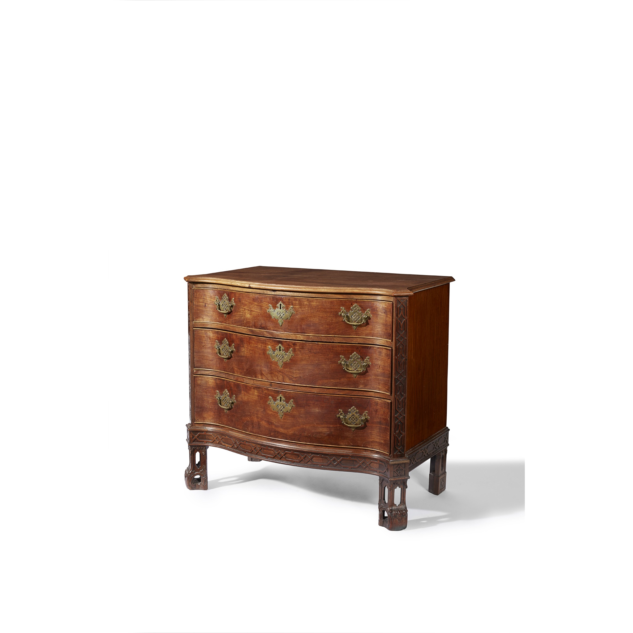 GEORGE III SERPENTINE CHEST OF DRAWERS MID 18TH CENTURY AND LATER - Image 5 of 6