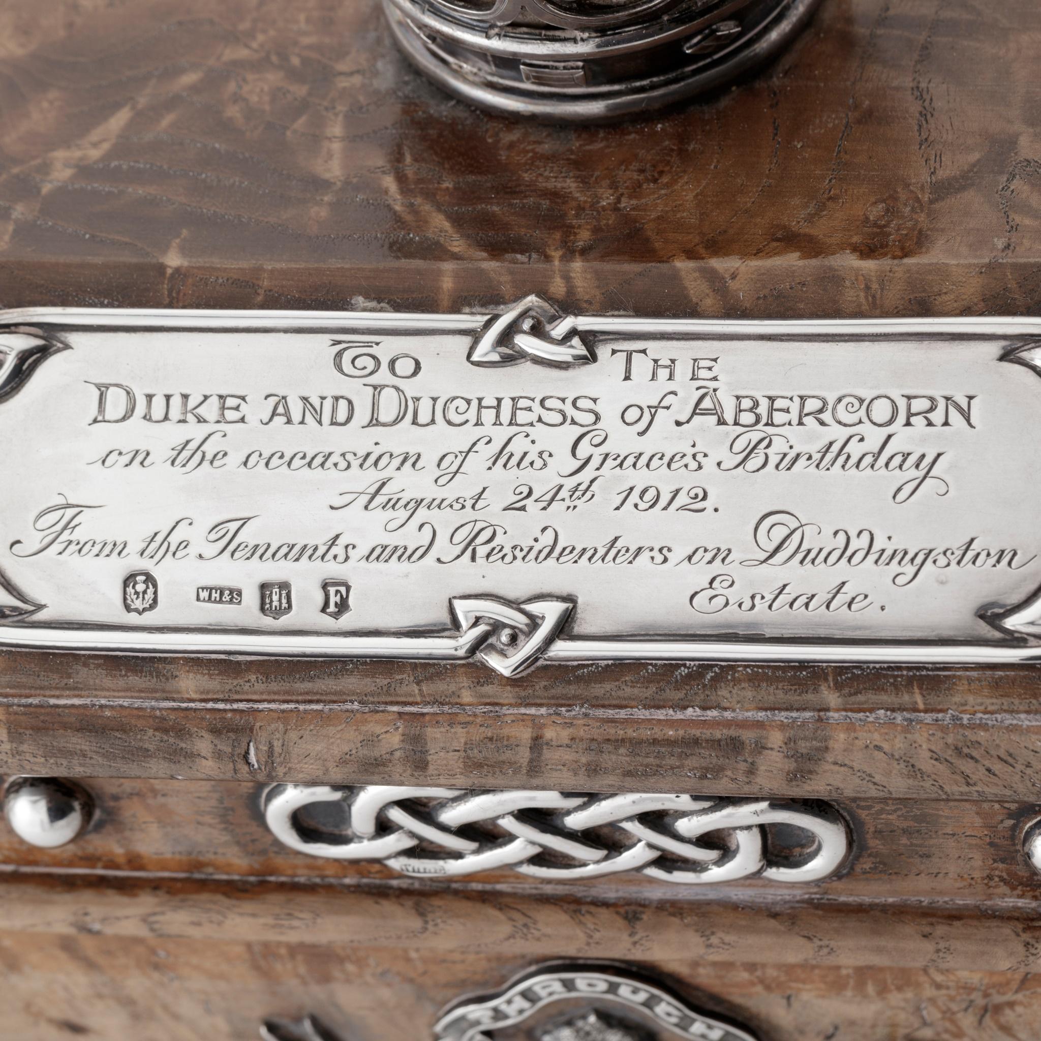 A GEORGE V DUCAL PRESENTATION BOX WILLIAM HAMILTON & SONS, EDINBURGH 1911 - Image 2 of 6