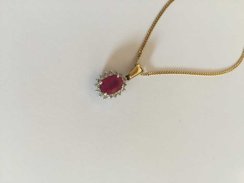 A pink sapphire and diamond pendant necklace - Image 8 of 17
