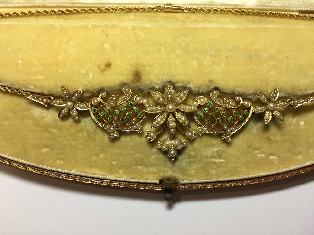 A late Victorian pearl and demantoid garnet necklace - Image 2 of 7