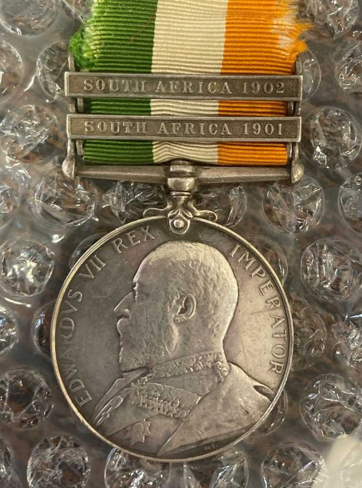 A collection of mixed war and service medals - Image 3 of 10