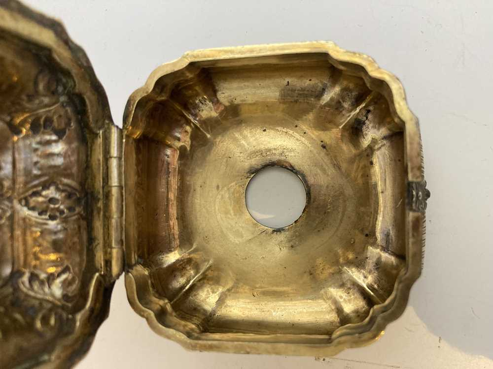 An early 19th century gilt mustard pot and cover - Image 10 of 10