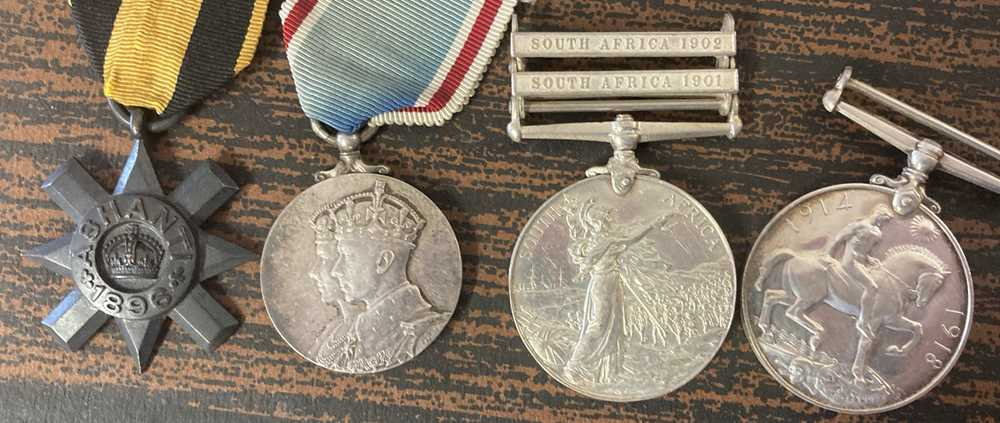 A collection of mixed war and service medals - Image 7 of 10