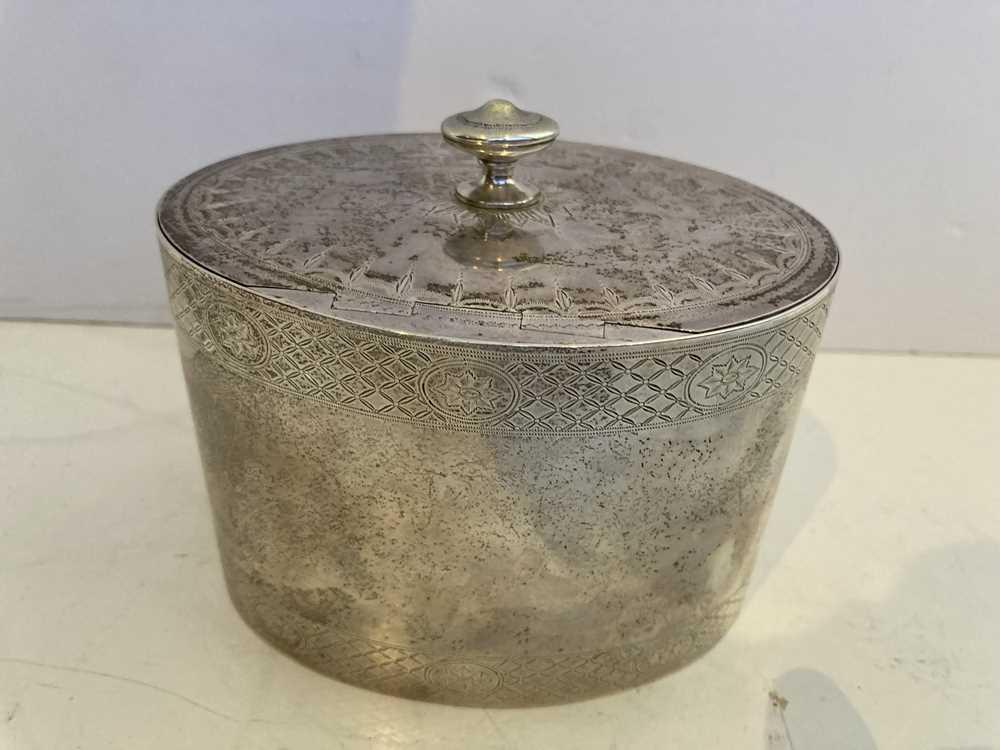 A George III oval tea caddy - Image 6 of 11