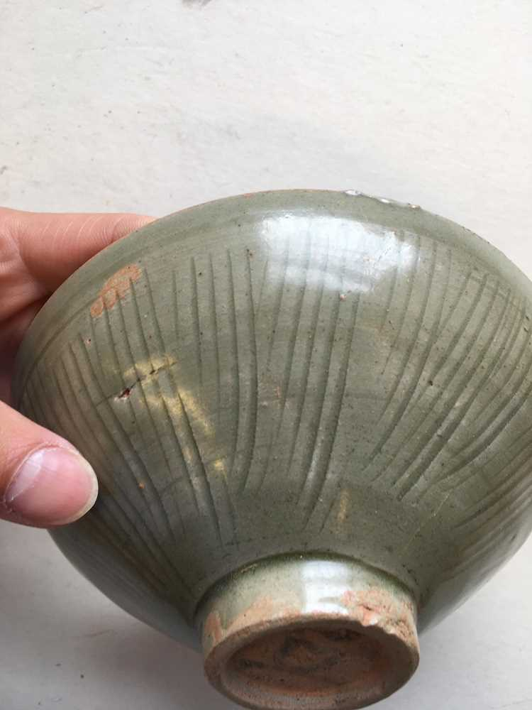 LONGQUAN CELADON-GLAZED TEA BOWL LATE NORTHERN SONG DYNASTY - Image 7 of 15