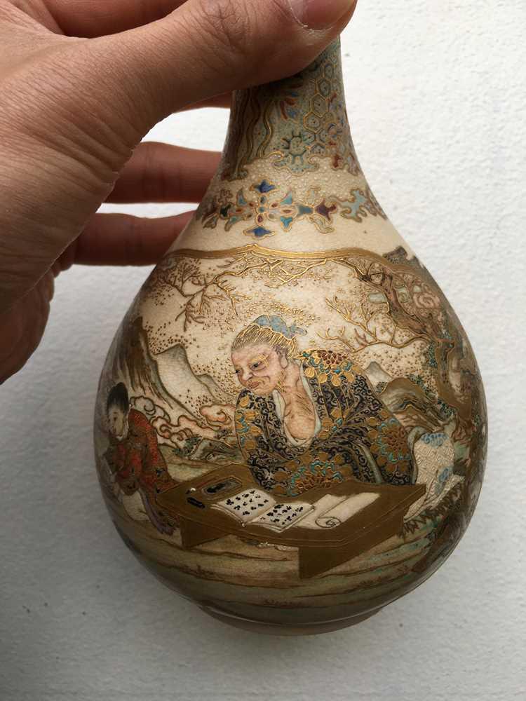 PAIR OF SATSUMA VASES MEIJI PERIOD - Image 7 of 17