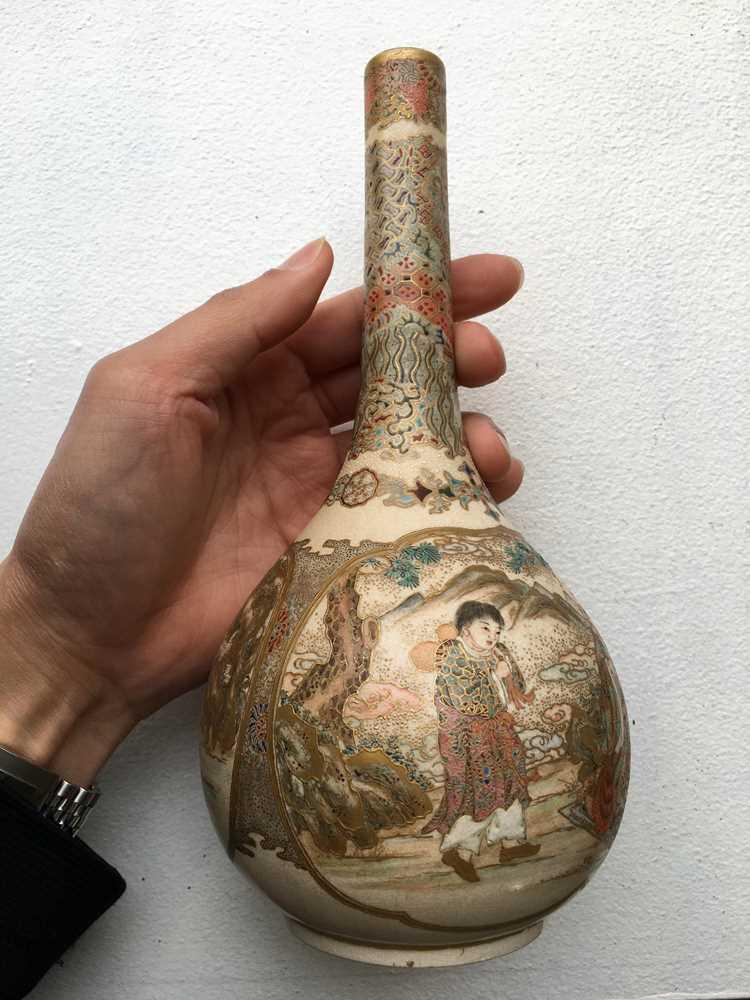 PAIR OF SATSUMA VASES MEIJI PERIOD - Image 12 of 17