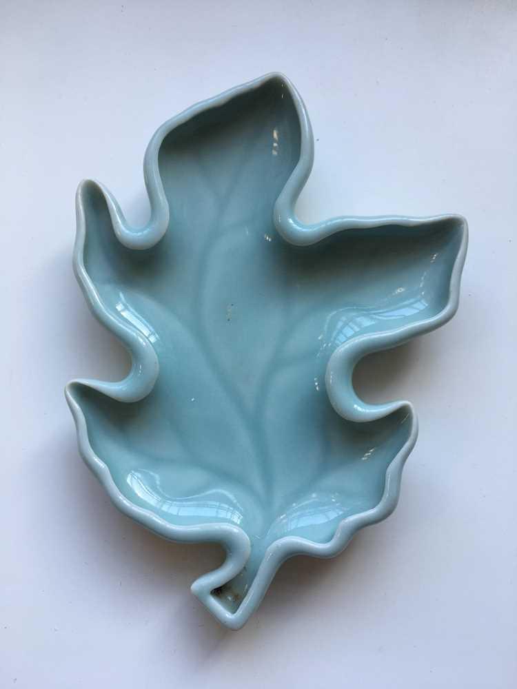PEA-GREEN-GLAZED LEAF-FORMED BRUSH WASHER QIANLONG MARK - Image 5 of 15