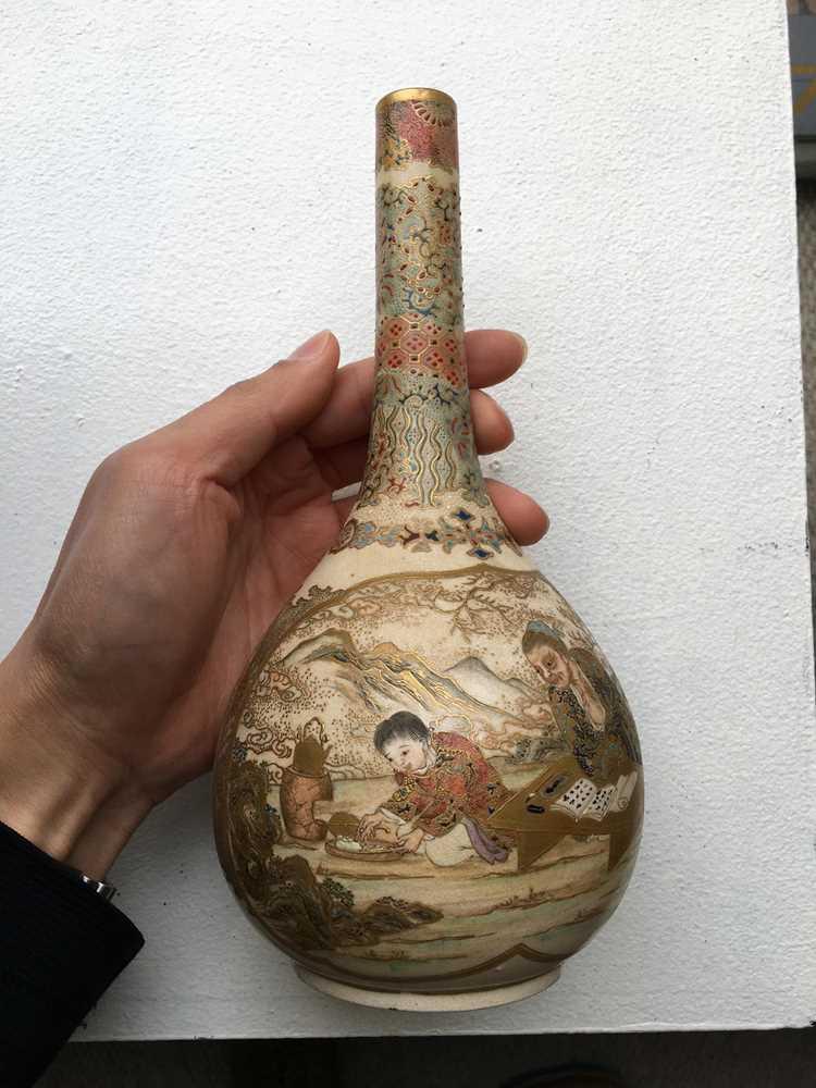 PAIR OF SATSUMA VASES MEIJI PERIOD - Image 3 of 17