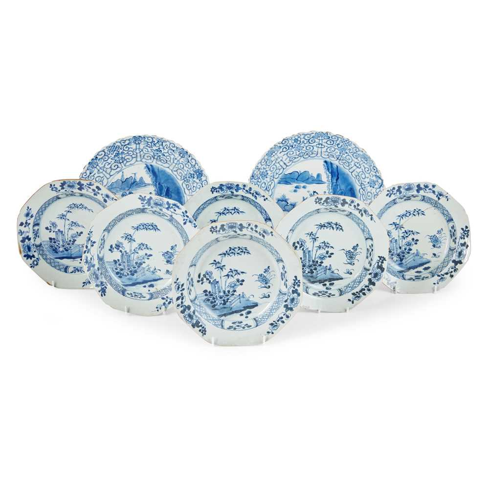 GROUP OF EIGHT BLUE AND WHITE PLATES QING DYNASTY, 18TH CENTURY