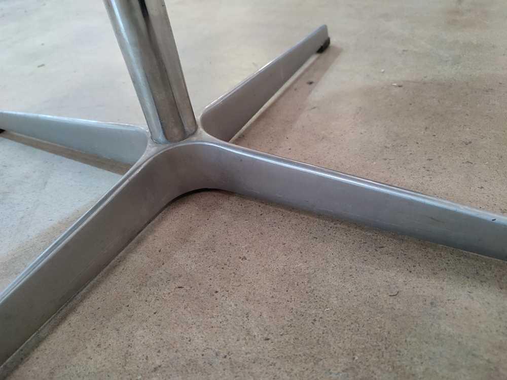 Arne Jacobsen (Danish 1902-1971) for Fritz Hansen Swan Chair, designed 1958 - Image 3 of 11