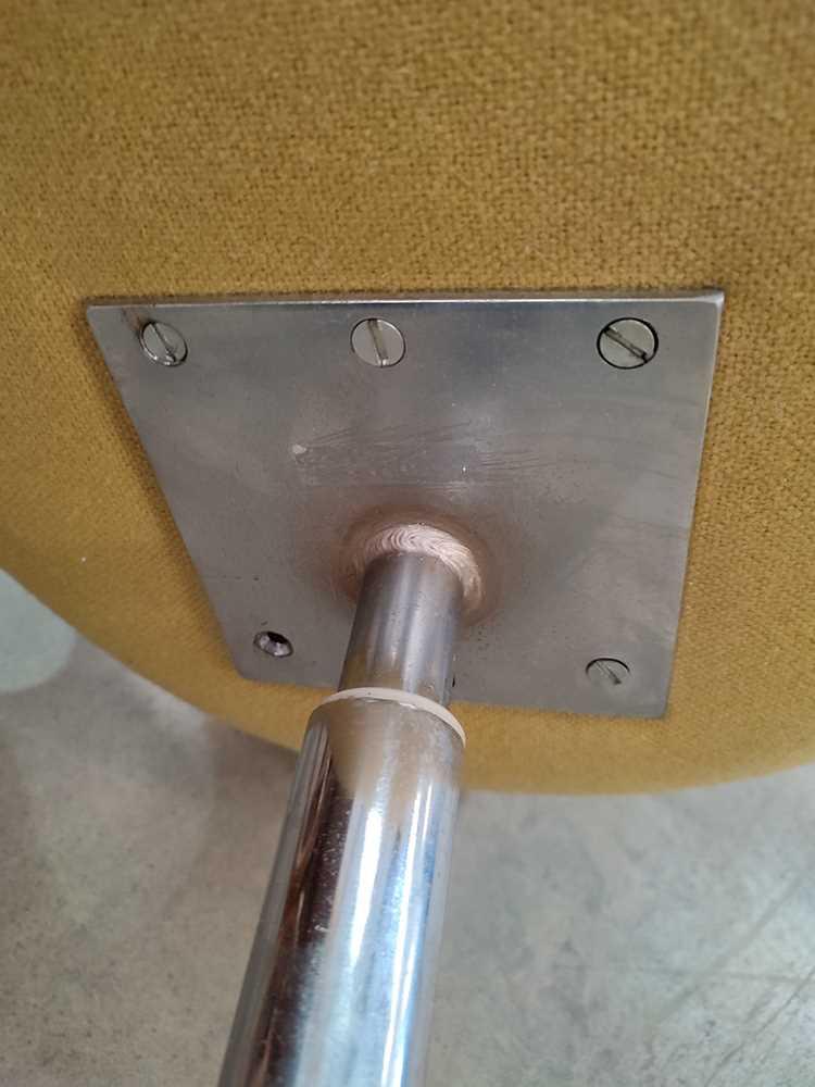 Arne Jacobsen (Danish 1902-1971) for Fritz Hansen Swan Chair, designed 1958 - Image 5 of 11