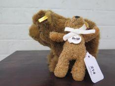 A Steiff 'Urs' brown bear, 069628, and a James Teddy bear, 111570, 13 cm high (2)