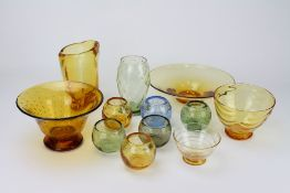 WHITEFRIARS twelve pieces of various coloured glass (12) At present, there is no condition report