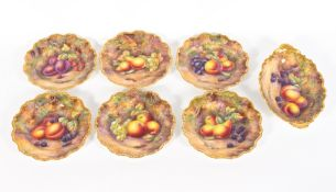 AN EARLY 20TH CENTURY ROYAL WORCESTER PORCELAIN DESSERT SERVICE with hand painted fruit decoration