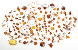A COLLECTION OF ASSORTED HARDSTONE NECKLACES, bead necklaces and heat treated amber jewellery At