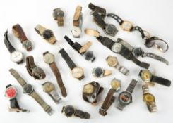 A COLLECTION OF MID 20TH CENTURY AND LATER GENT'S WRISTWATCHES to include a Newark Paragon black
