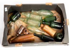 A COLLECTION OF ANTIQUE BOTTLES to include lemonade bottles including North & Co Oxford, Struve &