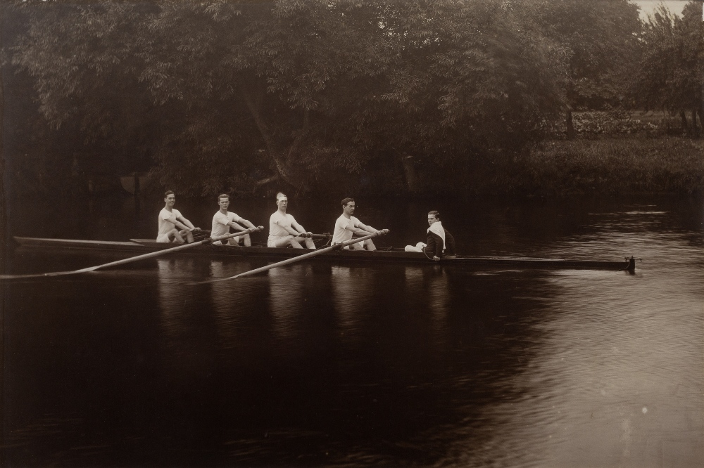 ROWING INTEREST: A CARBON PRINT PHOTOGRAPH OF A COXED FOUR, OXFORD ROWING TEAM circa 1900, 40 x