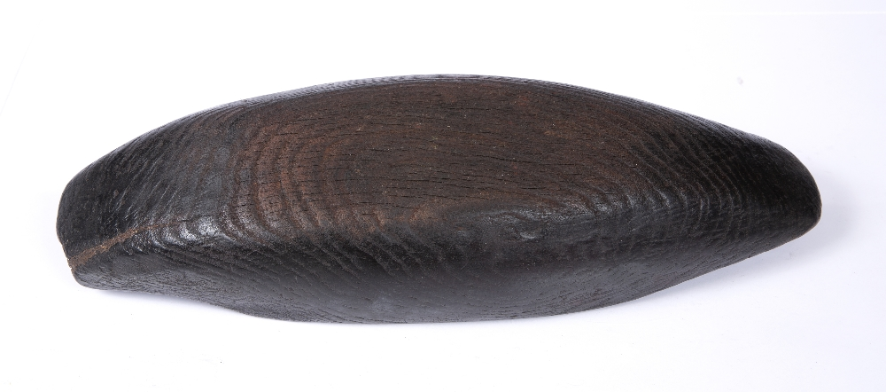 AN AMERICAN INDIAN INUIT cedar wood bowl of elongated form with residue of old patination, 19th - Image 3 of 3