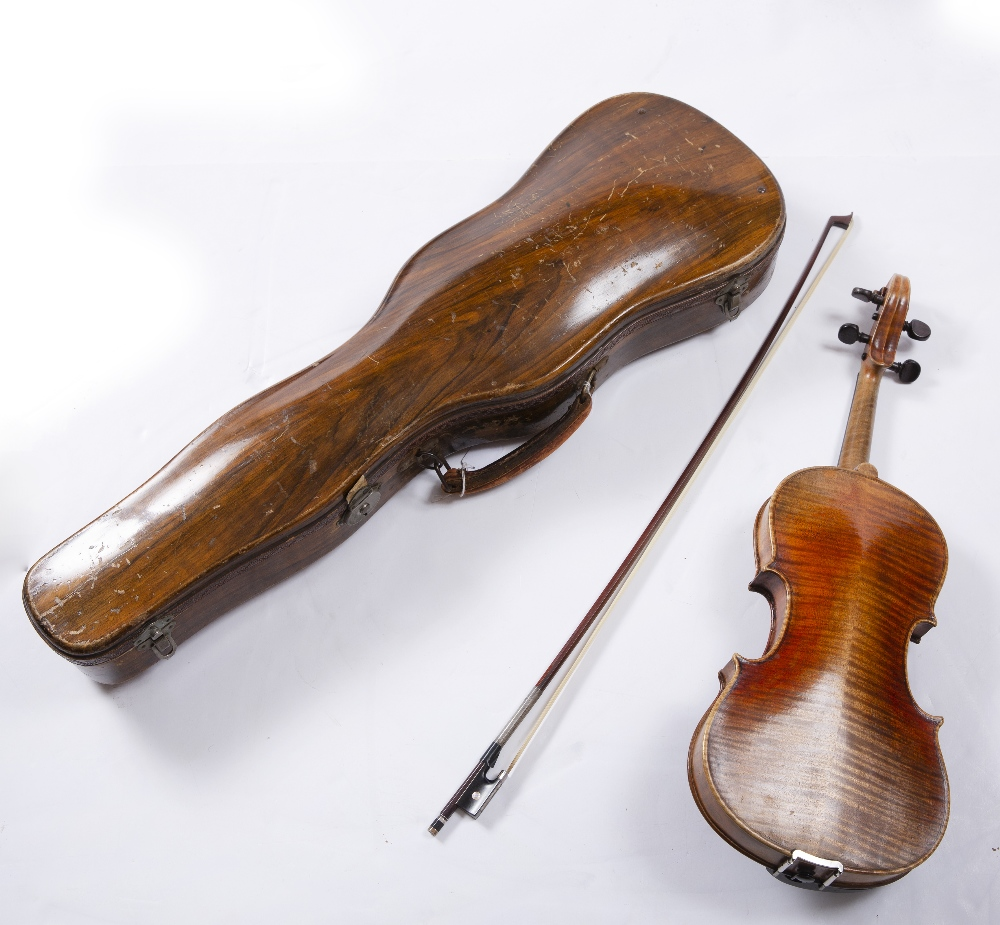 A LATE 19TH CENTURY GERMAN VIOLIN with two piece back, back length 36cm; with German bow, in - Image 2 of 4