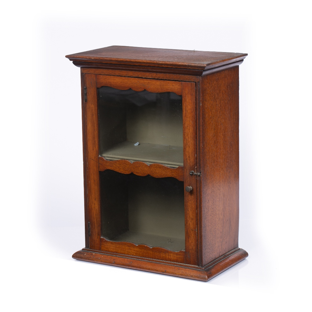 A LATE 19TH CENTURY MAHOGANY SMALL TABLE TOP DISPLAY CABINET, with glazed door enclosing a shelf, - Image 3 of 4